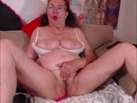 Im mature lady good looking and with the high sexy drive! I wanna to make you happy! Join to enjoy!